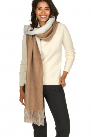 Moment by Moment |  Two-coloured scarf Cooper | camel  | Picture 3