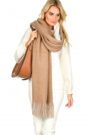 Moment by Moment |  Two-coloured scarf Cooper | camel  | Picture 2