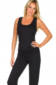 Hanro |  Tank top Yoga | black  | Picture 2