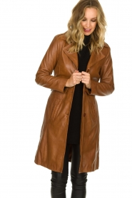 STUDIO AR BY ARMA |  Leather trench coat | camel  | Picture 4