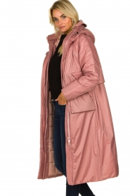 Krakatau |  Long padded coat Amery | pink  | Picture 6