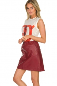 Est-Seven | Leather skirt Mylenna | burgundy  | Picture 4
