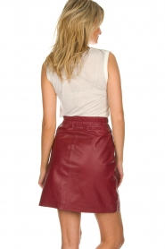 Est-Seven | Leather skirt Mylenna | burgundy  | Picture 5