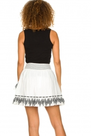 Aaiko |  Embroidered skirt Patna | white  | Picture 6