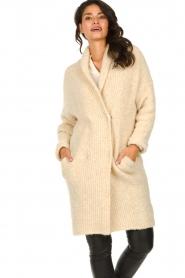Knit-ted | Gebreid vest met knopen Babette | naturel  | Afbeelding 7