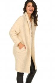 Knit-ted | Gebreid vest met knopen Babette | naturel  | Afbeelding 5