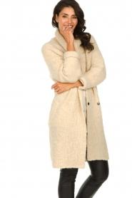 Knit-ted | Gebreid vest met knopen Babette | naturel  | Afbeelding 4