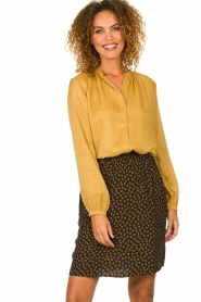Knit-ted |  Sheen blouse Lana | gold  | Picture 2