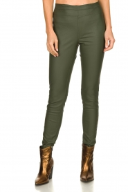 Knit-ted | Faux leather leggings Amber | green  | Picture 2