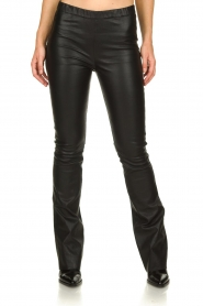 Est-Seven |  Flared leather stretch pants Meredith | black  | Picture 4