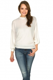 Dante 6 |  Sweater with ruffle turtleneck Theia | white  | Picture 2
