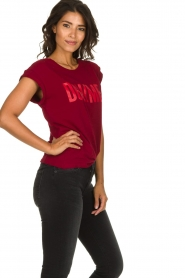 Dante 6 | T-shirt with text print Love Me | red  | Picture 4