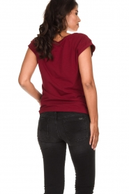 Dante 6 | T-shirt with text print Love Me | red  | Picture 5