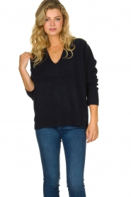 Les Favorites |  Knitted V-neck sweater Fenne | blue  | Picture 2