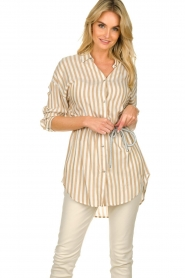 Kocca |  Striped blouse Paige | brown  | Picture 4