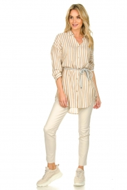 Kocca | Gestreepte blouse Paige | bruin   | Afbeelding 3