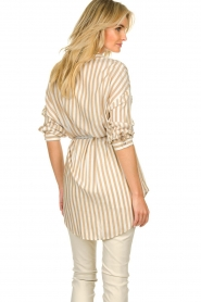 Kocca | Gestreepte blouse Paige | bruin   | Afbeelding 6
