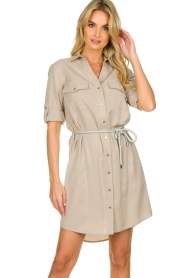 Kocca |  Blouse dress with belt | grey   | Picture 4