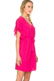 Kocca |  roze | Dress with belt Lifana  | Picture 4