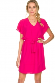 Kocca |  roze | Dress with belt Lifana  | Picture 2