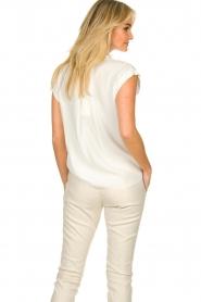Kocca |  Classic top Mesha | white  | Picture 5