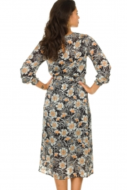 Aaiko |  Midi dress with flower print Pamila | black  | Picture 5
