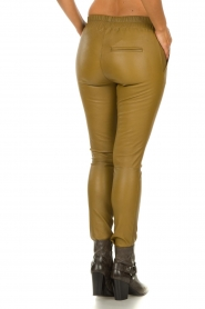 Est-Seven |  Leather leggings Amber | gold  | Picture 5