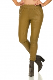Est-Seven |  Leather leggings Amber | gold  | Picture 2