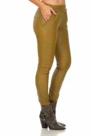 Est-Seven |  Leather leggings Amber | gold  | Picture 4