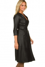 Est-Seven |  Leather wrap dress Ella | black  | Picture 4