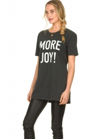 Silvian Heach |  Oversized T-shirt with text print Mapputo | grey  | Picture 6