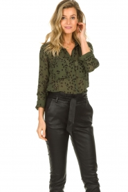 Bella Dahl |  Leopard printed blouse Hipster | green  | Picture 5