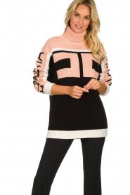 ELISABETTA FRANCHI    Turtleneck sweater with logo print Eliza   light pink    Picture 2