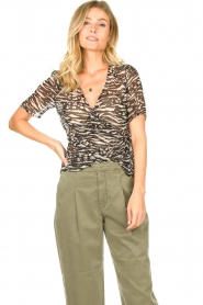 Freebird |  Animal printed wrap top Aily | black  | Picture 2