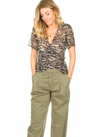 Freebird |  Animal printed wrap top Aily | black  | Picture 4