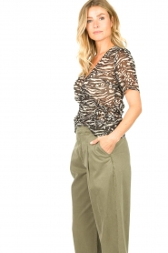 Freebird |  Animal printed wrap top Aily | black  | Picture 5