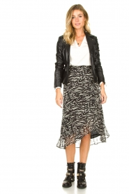 Freebird |  Animal printed wrap skirt Alina | black  | Picture 3