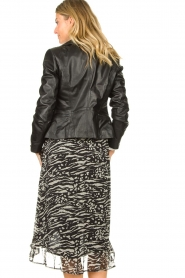 Freebird |  Animal printed wrap skirt Alina | black  | Picture 5