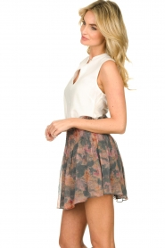 Set |  Sleeveless top with cut-out Delicate | white  | Picture 5