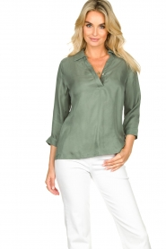JC Sophie |  Blouse with v-neck | green   | Picture 5
