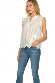 JC Sophie | Broderie blouse Chassie | wit   | Afbeelding 5