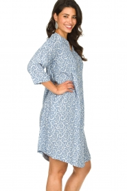 JC Sophie |  Midi dress with flower print Christiana | blue  | Picture 4