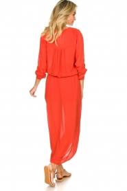 Rabens Saloner |  Maxi dress with pleats Kim | red  | Picture 6
