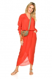 Rabens Saloner |  Maxi dress with pleats Kim | red  | Picture 3