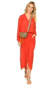 Rabens Saloner |  Maxi dress with pleats Kim | red  | Picture 5