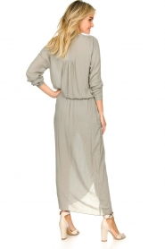 Rabens Saloner |  Maxi dress with pleats Kim | grey  | Picture 5