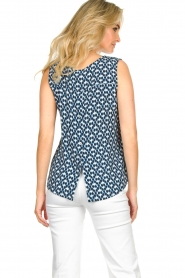 Knit-ted |  Sleeveless top with print Rose | blue  | Picture 6