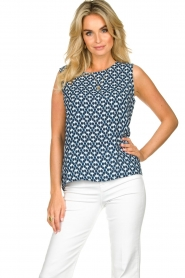 Knit-ted |  Sleeveless top with print Rose | blue  | Picture 4