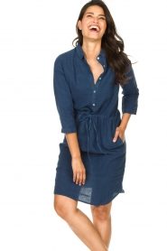 Knit-ted |  Linen dress with drawstring Katja | blue  | Picture 5