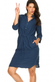 Knit-ted |  Linen dress with drawstring Katja | blue  | Picture 4